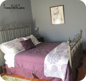 Iris Room: Decker House Bed & Breakfast