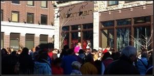 Crowd at Snowball drop