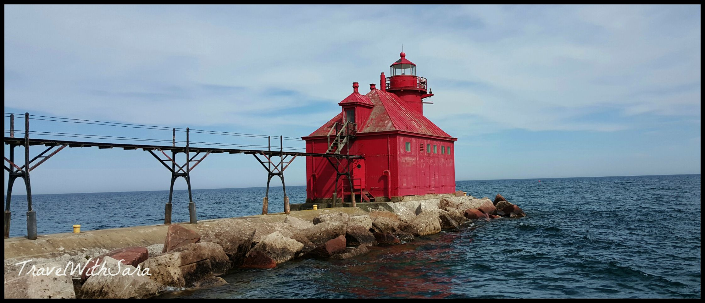Red lighthouse in Door County & The Lighthouses of Door County | Travel With Sara Pezcame.Com