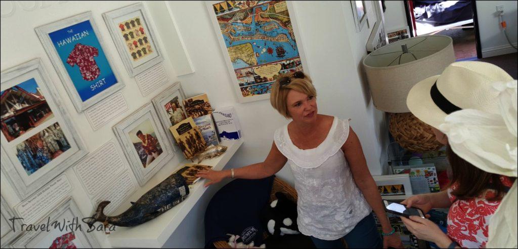 Ellen in museum