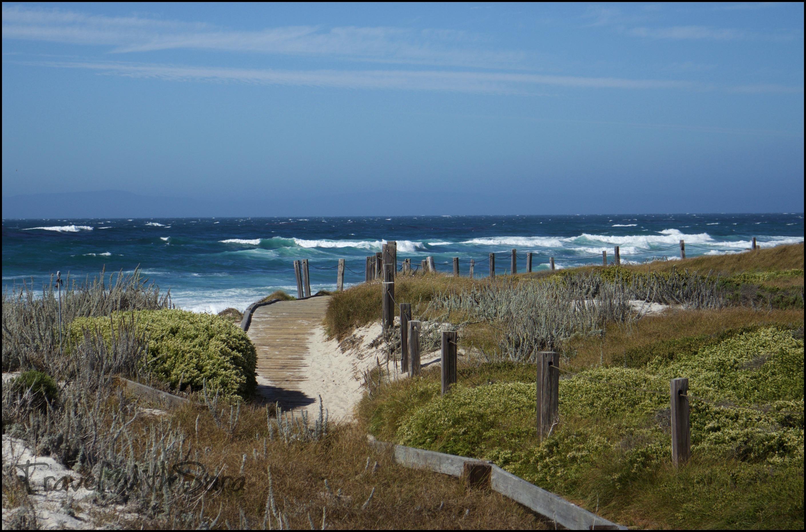 The coast in the area of Big Sur facing the Pacific Ocean ...  |Pacific Ocean California