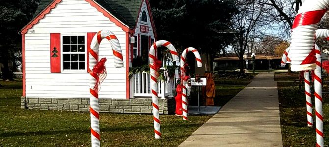 Time To Get In The Holiday Spirit: Christmas By The Lake In Clear Lake, Iowa