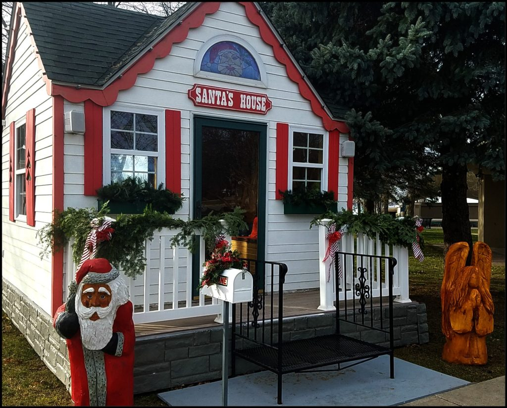 Santa House Clear Lake Iowa