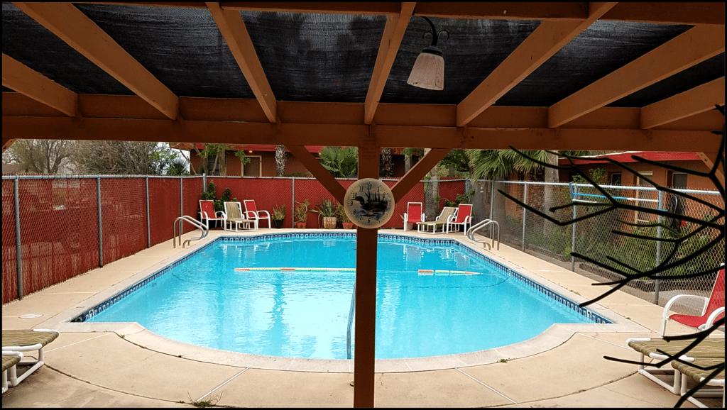pool Southwind Inn