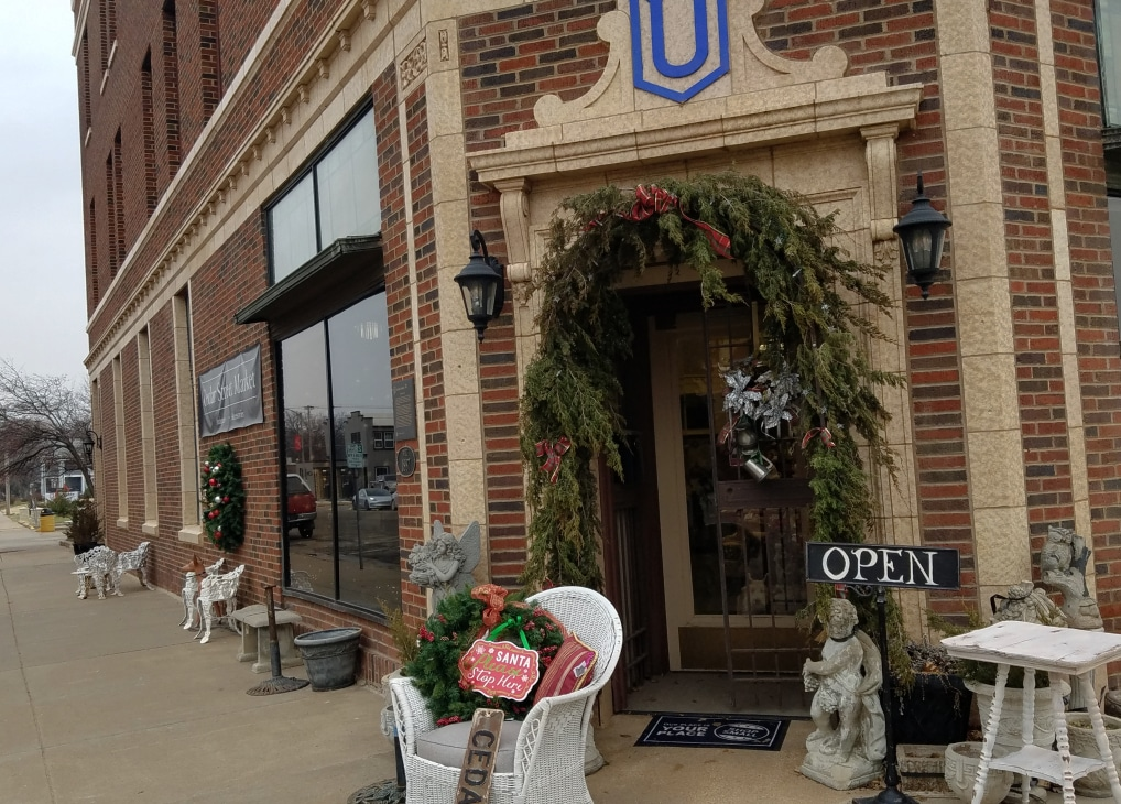 Cedar Street Market Antiques Brings Interior Design To Abilene, Kansas