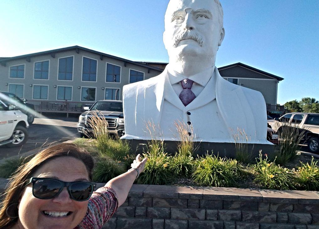 Roosevelt Inn & Suites: Watford City, North Dakota
