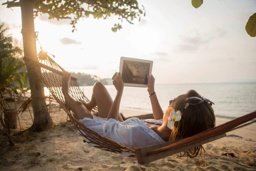 running an online business while traveling